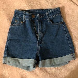 Fashion nova shorts 😜